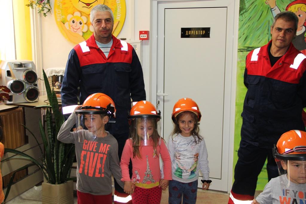"""Разглеждате: Инициативата """"Да запалим огъня в децата""""  пожъна успех и възхищение"""